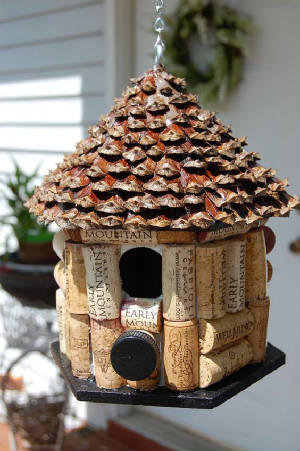conecorkbirdhouse.jpg.w300h451